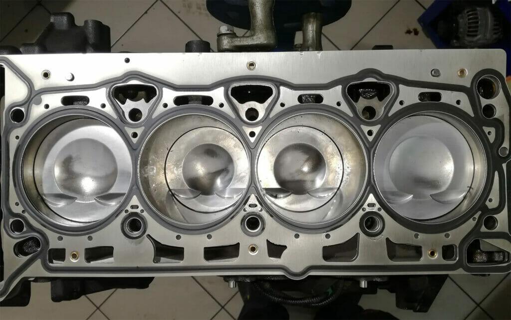 Επισκευή κινητήρα συνεργείο VW