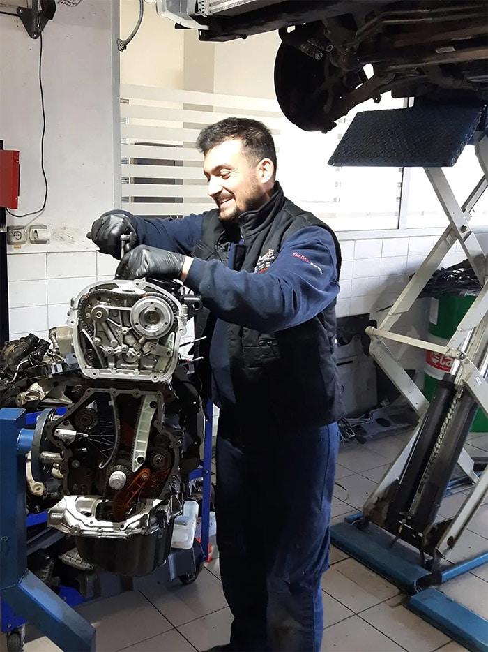 Συνεργείο Αυτοκινήτων VW Group Engine Repair